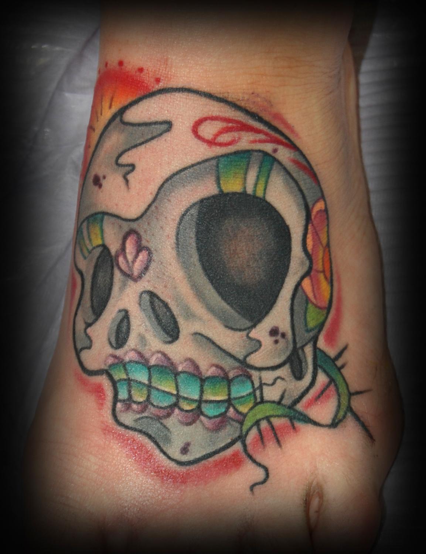Gray sugar skull on foot by memphis tattoonow for Cedar springs tattoo