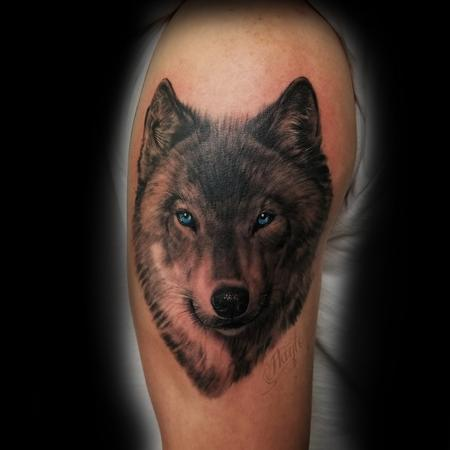 Tattoos - Gray-shade Wolf with blue eyes  - 133049