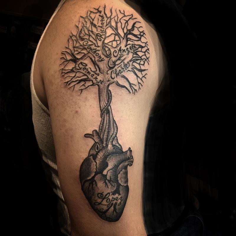 Family tree by luis garcia tattoonow for Family tree tattoo