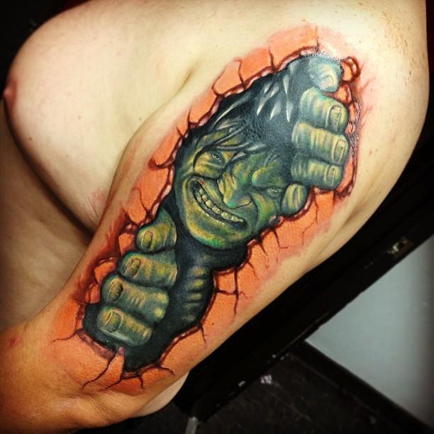 Raphael Barros   Hulk Tattoo