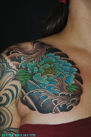 Peony and water by dana helmuth tattoonow for Solid state tattoo