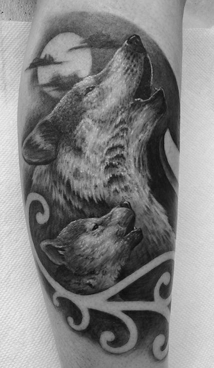 Tattoos - Howling Wolf and Cub - 99047