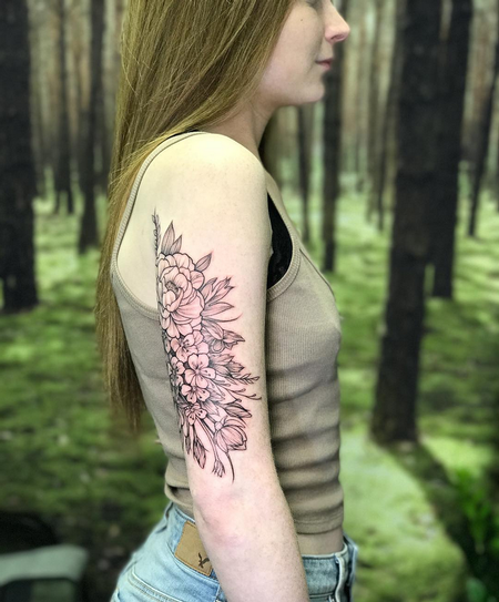 Michael Bales - Floral on Arm- Instagram @MichaelBalesArt