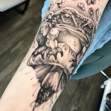 GRUMPY FROG ON FOREARM. INSTAGRAM @MICHAELBALESART Design Thumbnail