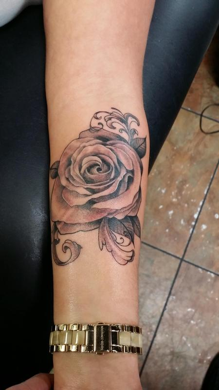 882d1160fb4f9 custom black and grey Rose by Glenn Collins: TattooNOW :