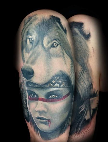 Maiden with Wolf headdress  Design Thumbnail