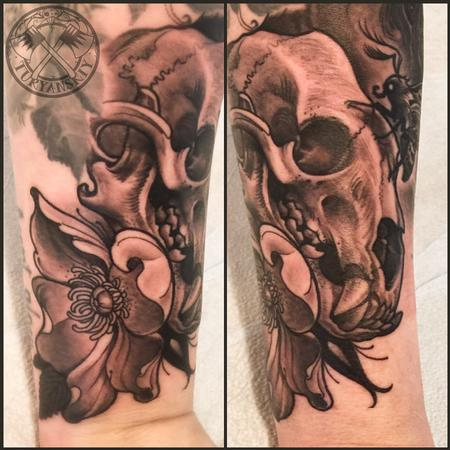 Tattoos - Bear skull and dog rose flower - 114610