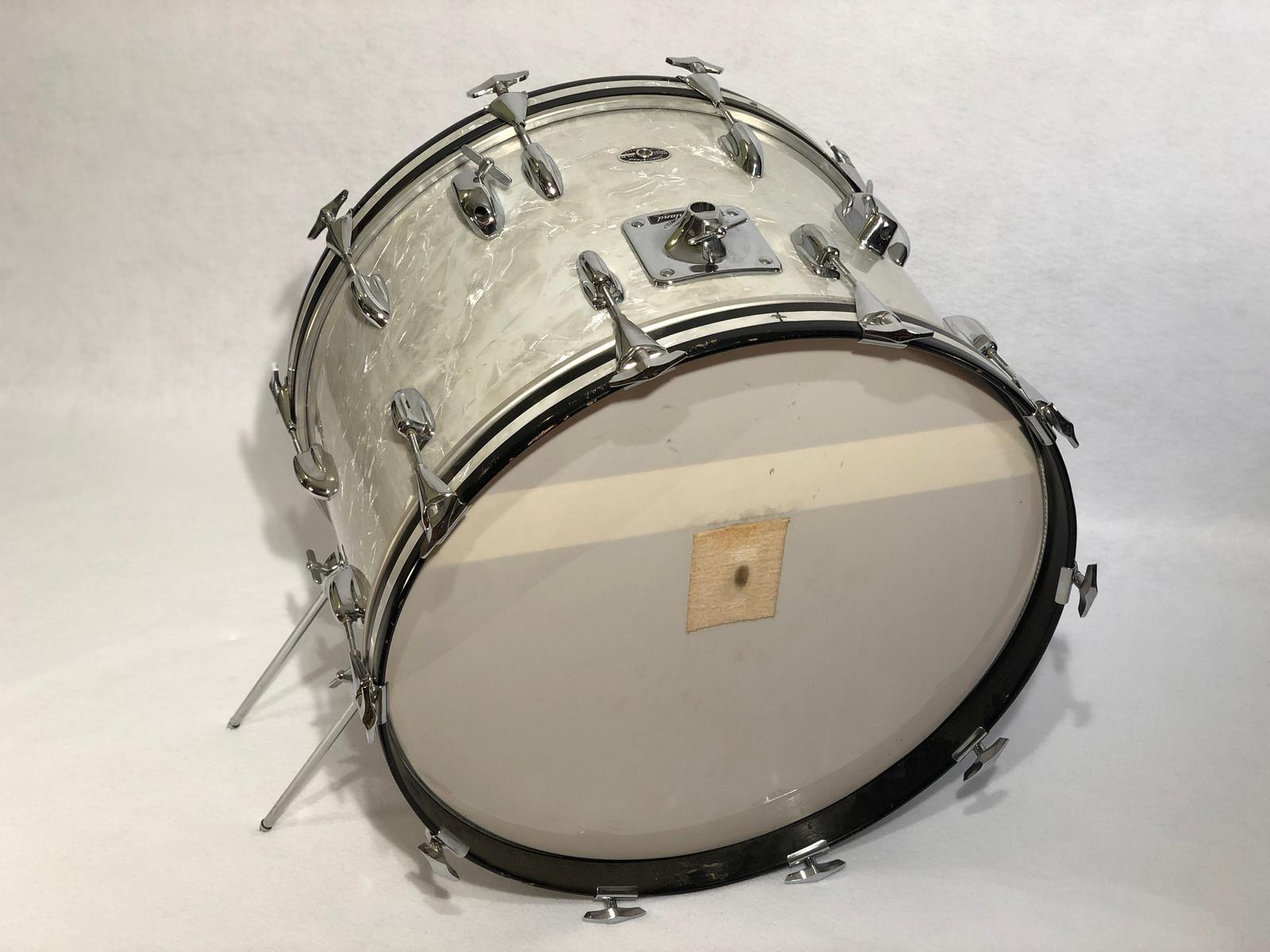 Gene Krupa, famous vintage drums, vintage drum collector, Gene Krupa's drums, Slingerland, Benny Goodman, antique collectibles, jazz memorabilia, instrument collection