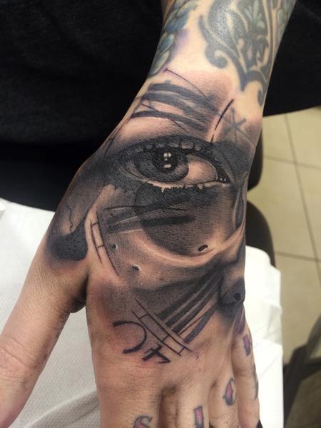 Tattoos - Eye hand clock - 89016