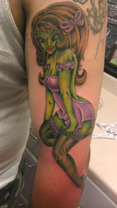 Tattoos - alien pin up - 85665
