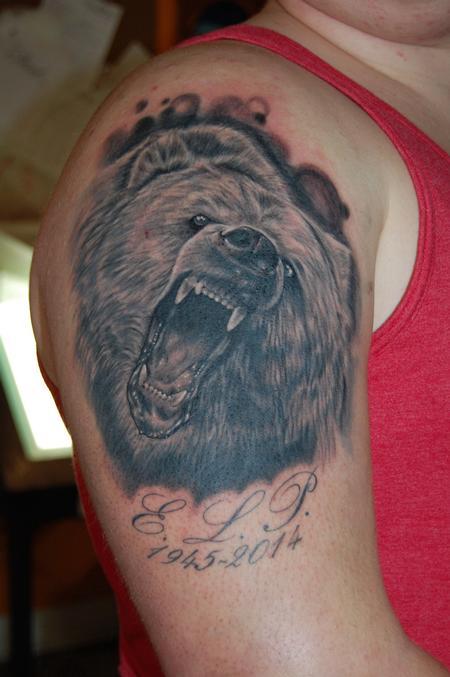 Tattoos - Bear portrait - 100111