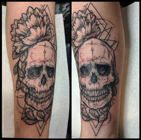Bonnie Seeley Skull and Flower Tattoo Design Thumbnail