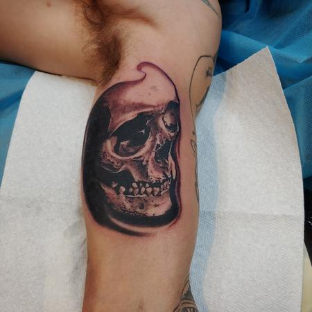 Tattoos - Quade Dahlstrom Skull - 141035
