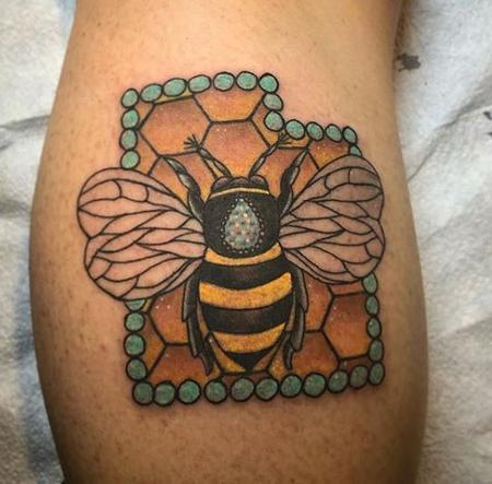 Sparkly Bee on Honeycomb Utah Tattoo