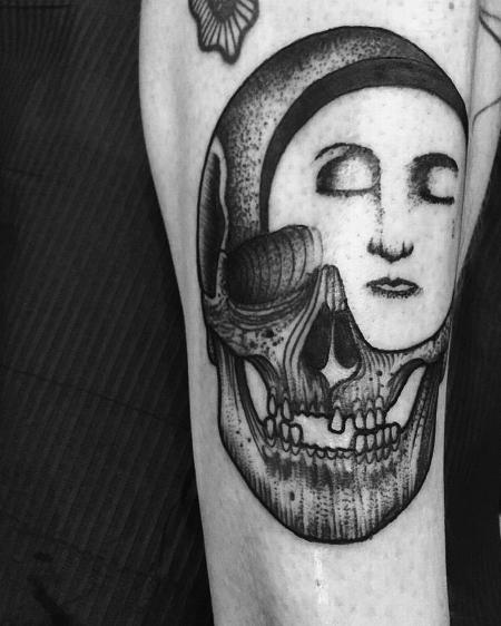 Tattoos - moon skull - 127136