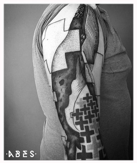 Tattoos - CROSS WHALE - 119796