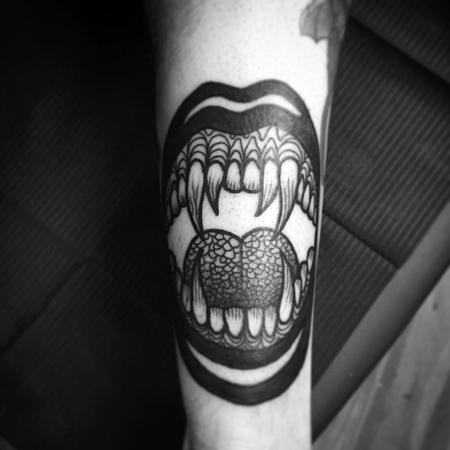 Tattoos - vampire mouth - 128020