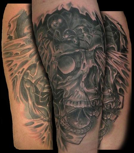 Tattoos - skull with spiders - 64531