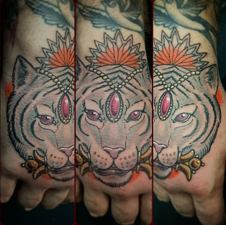 Tattoos - Tiger Hand Piece - 99398