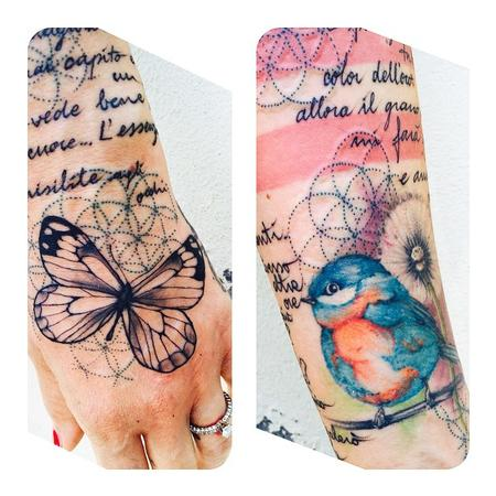 Tattoos - Hand Butterfly - 108080