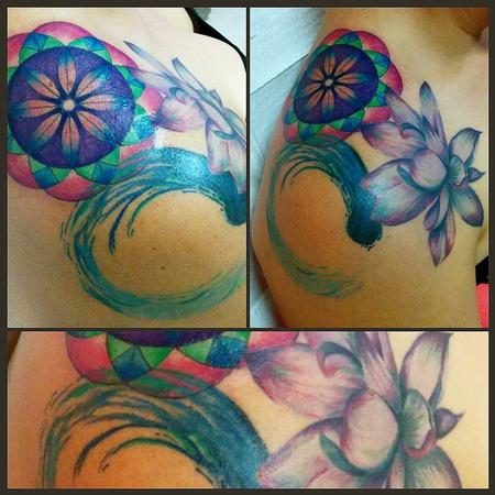 Tattoos - shoulder lotus, enso and geometric flower - 113712