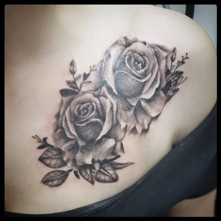 Tattoos - black and grey roses - 113741