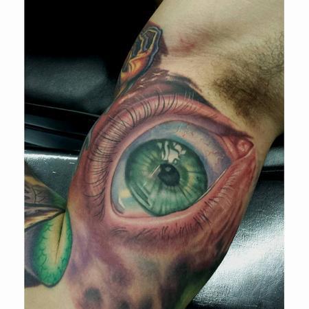 Tattoos - eyeball ernesto nave - 86822