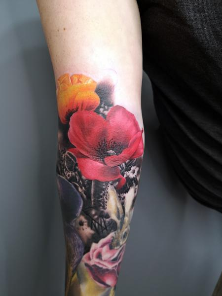 Alan Aldred - Poppy Flower Tatoo