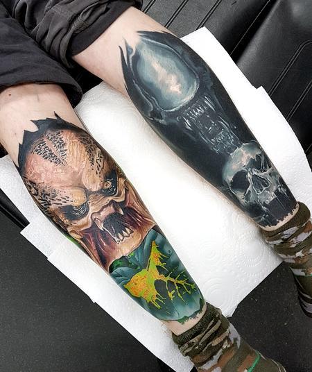 Alan Aldred - Alien and Predtaor Calf Tattoos