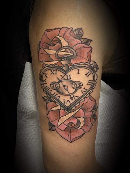 Tattoos - Heart clock - 142650