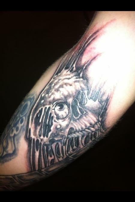 Jon Morrison - skin stretch skull