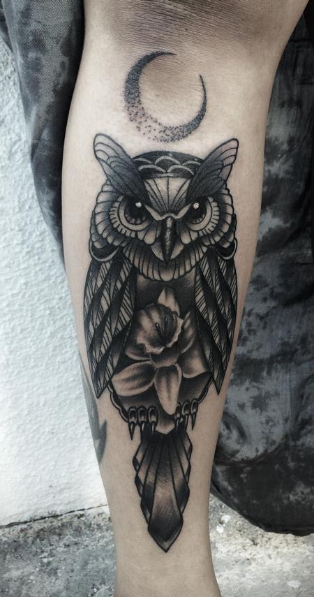 Tattoos - Traditional black an gray owl with daffodil tattoo, Frichard Adams Art Junkies Tattoo - 106601