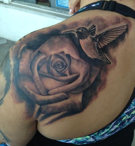 Scott Grosjean - Realistic black and gray rose with hummingbird tattoo, Scott Grosjean Art Junkies Tattoo