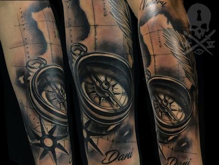 Ivan Rueda - Compass