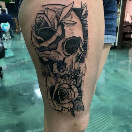 Tattoos - Skull with Roses - 142744