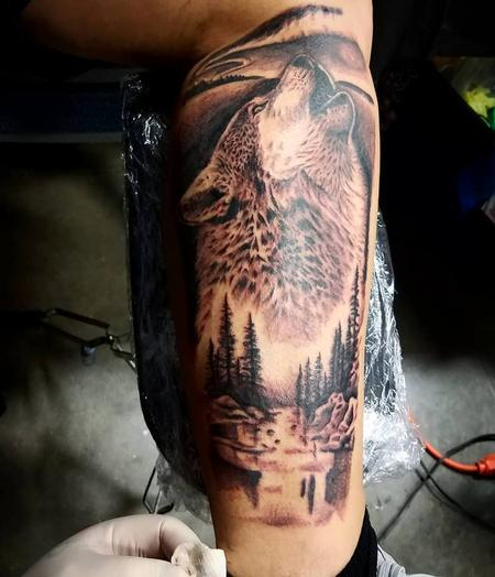 Tattoos - Black and grey howling wolf - 132519