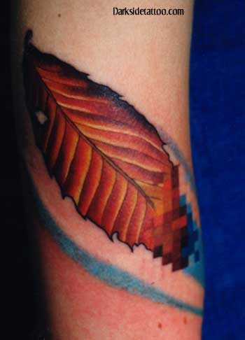 Tattoos - pixelated leaf (detail) - 1302