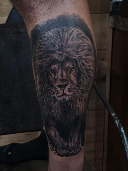 Tattoos - A King out of the Shadows - 142987