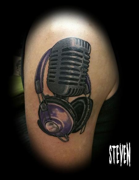 Steve Cornicelli - Old mic