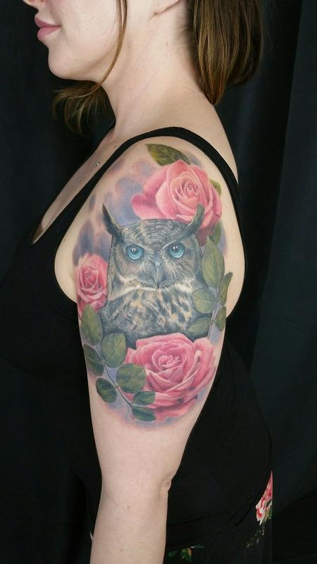 Haylo - Great horned owl and roses tattoo