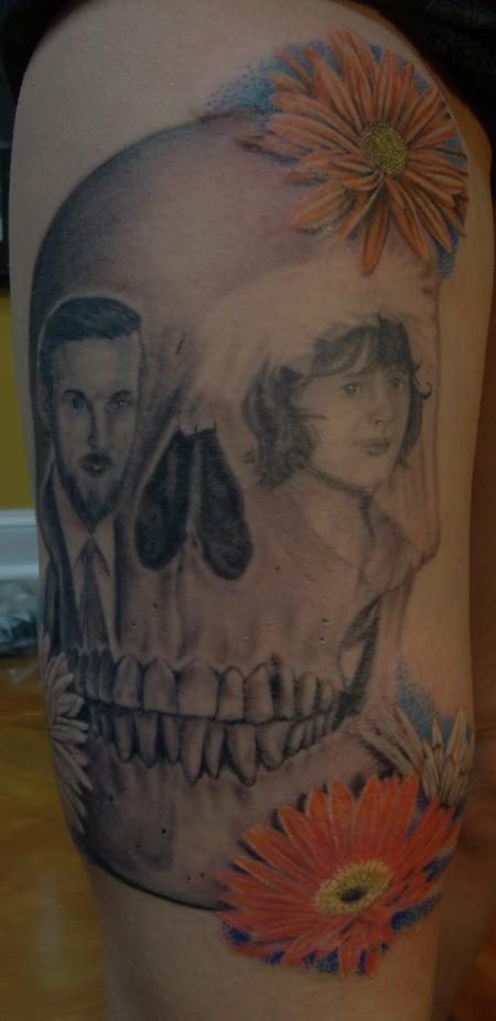 Tattoos - Skull with Portraits - 100695