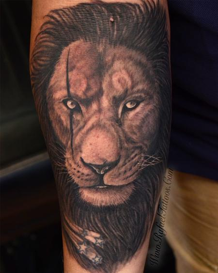 Tattoos - Black and Grey Scarred Lion Face  - 141136