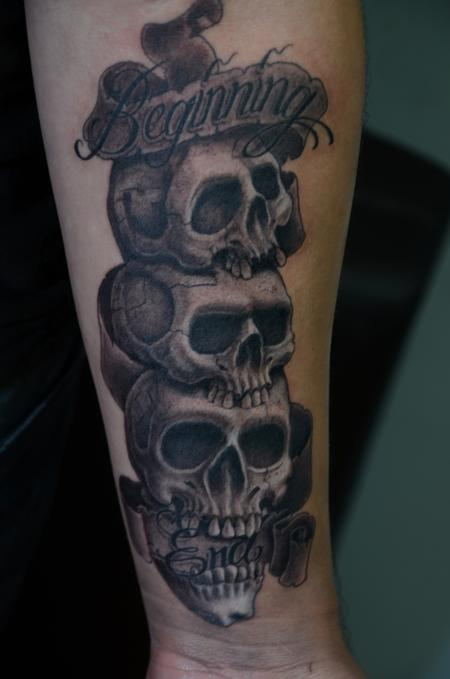 Tattoos - Stacked Skulls with banner - 95628