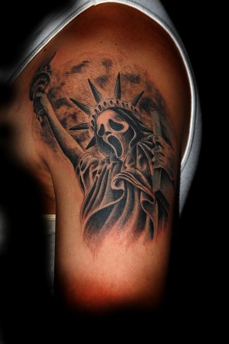 Manny Almonte - Ghostface Statue Of Liberty